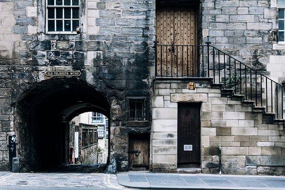 Het kleine deurtje in de straten van Edinburg