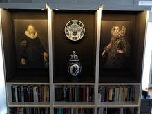 Klantfoto: Portret van een man die een handschoen vasthoudt, Thomas de Keyser van The Masters