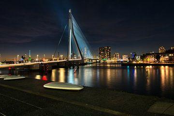 Erasmusbrug Rotterdam Verlicht bij Nacht.