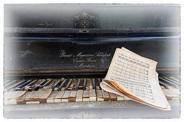 Play me a song van Ineke Verbeeck