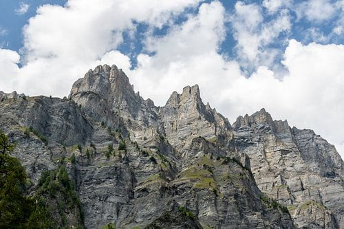 Bergwand met Daubenhorn