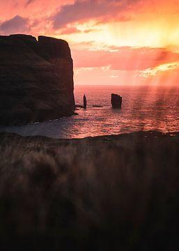 Zonsondergang op de Faeröereilanden von Mitchell Routs
