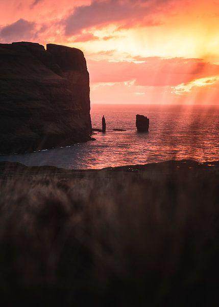 Zonsondergang op de Faeröereilanden van Mitchell Routs