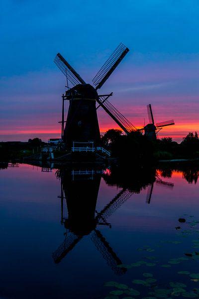 Kinderdijk Sunset 2 van Joram Janssen