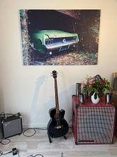Klantfoto: Verlaten Ford Mustang in Garage. van Roman Robroek, op canvas
