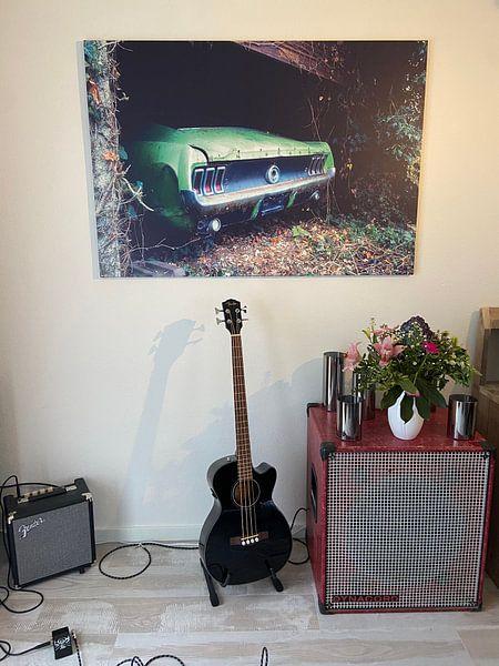 Klantfoto: Verlaten Ford Mustang in Garage. van Roman Robroek