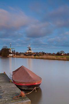 Boot in het Damsterdiep bij Ten Boer von Ron Buist