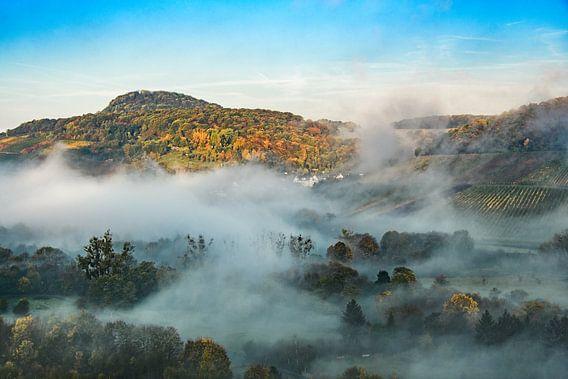 fog in the valley van Heinz Grates