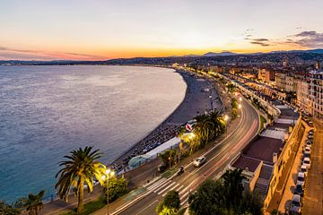 Promenade des Anglais in Nizza am Abend