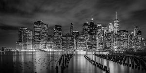 NEW YORK CITY Monochrome Indruk door de nacht | Panorama