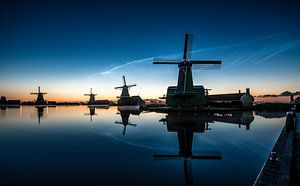 Noctilucent clouds Zaanse Schans 2019. van