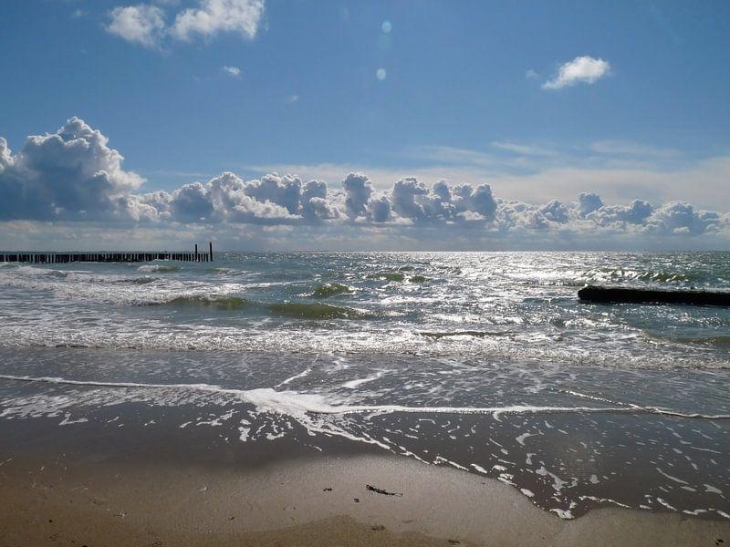 Ici, sur la côte, la côte de Zeeland sur Groothuizen Foto Art