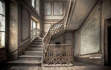 Treppe in einem Schloss von Olivier Van Cauwelaert