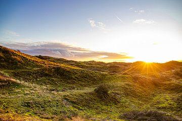 Zonsondergang in de duinen van Egmond aan Zee van Jaap Spaans
