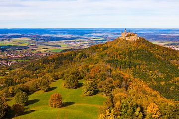 Château de Hohenzollern sur le Jura souabe sur Werner Dieterich