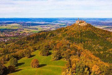Kasteel Hohenzollern op de Zwabische Alb van Hohenzollern van Werner Dieterich