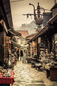 Oude binnenstad Sarajevo van Jilke Hellinga