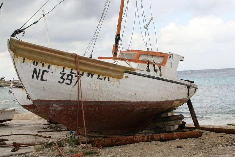 vissersboot op de kade van Frans Versteden