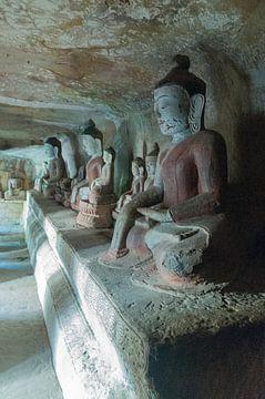 Yinmabin Township: Phowintaung grotten van Maarten Verhees