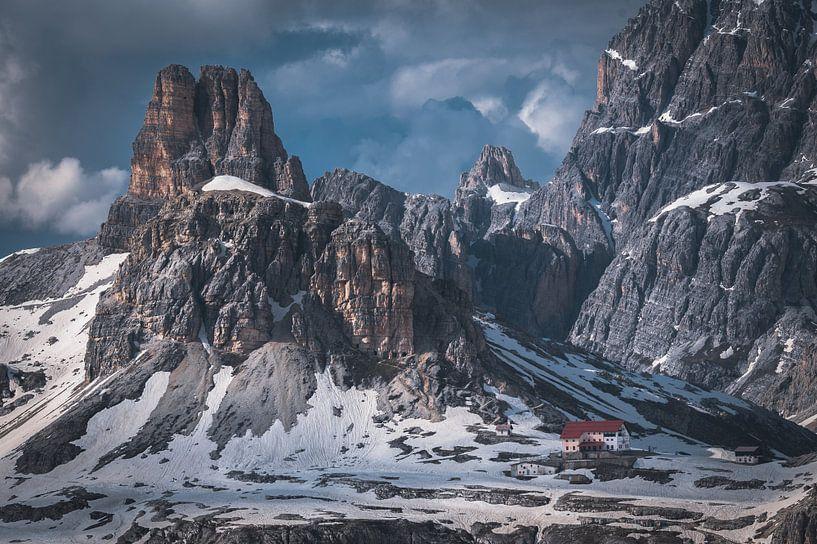 Rock formations in the Dolomites van michael regeer