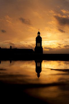 Toren reflectie van Andras Veres
