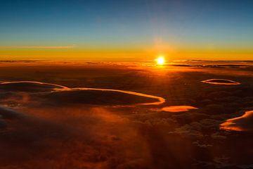Lenticularis Wolken im Sonnenuntergang von Denis Feiner