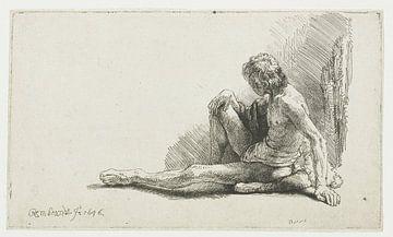 Junger Mann, der mit ausgestrecktem Bein auf dem Boden sitzt, Rembrandt van Rijn