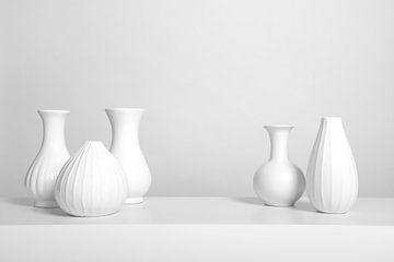 Witte vazen van Elles Rijsdijk