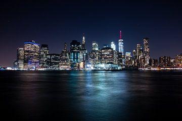 Manhattan bei Nacht von Ben Hoedt