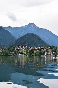 Wohnen am Bergsee von Celyn Vries