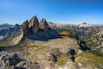 Uitzicht op de drie pieken vanaf Monte Paterno van Leo Schindzielorz