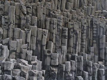 De basaltzuilen van Reynisfjara van Timon Schneider