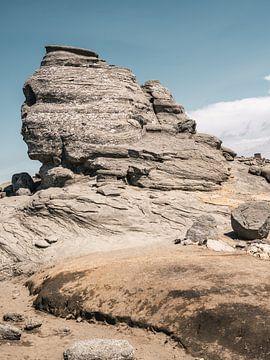 Sphinx, berühmter Felsen in den rumänischen Bergen von Lorena Cirstea