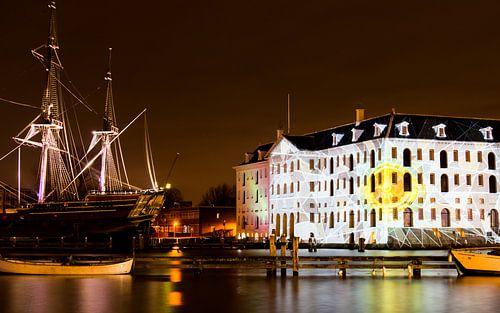 Maritime museum in Amsterdam by night von Annemieke Storm