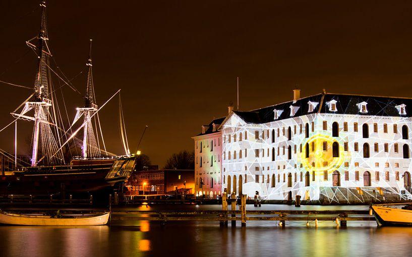 Scheepvaartmuseum in Amsterdam in de avond van Annemieke Storm