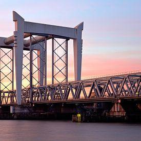Spoorbrug Dordrecht van Anton de Zeeuw
