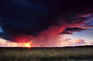 Onweer en zonsondergang