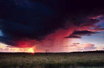 Onweer en zonsondergang von Olha Rohulya