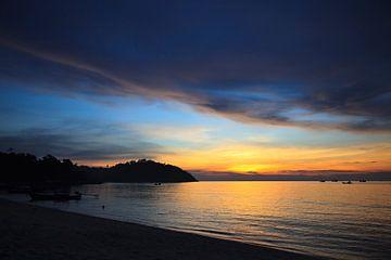 Zonsondergang in Thailand. von Vanessa Devolder