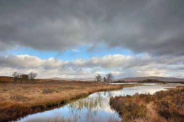 Stürmischer Herbst in den Highlands - Wunderschönes Schottland von Rolf Schnepp
