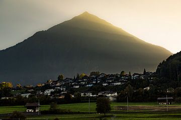 Zwitserse piramide berg in Berner Oberland 2018 van