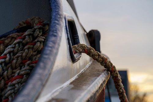 Boeg van een vissersboot.