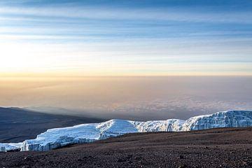 Blick vom Gipfel des Kilimandscharo von Mickéle Godderis