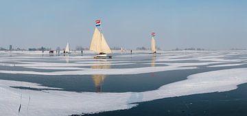 Eissegeln auf dem Gouwzee, Monnickendam, Nord-Holland von Rene van der Meer