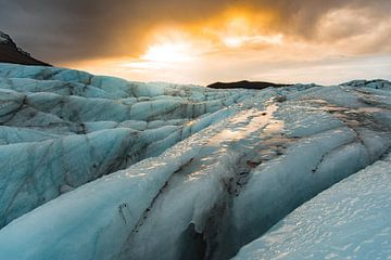 Sunrise over Svínafellsjökull van Andreas Jansen