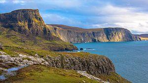 Kliffen en zee eiland  Skye