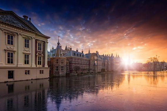 zonsondergang langs de Haagse Hofvijver