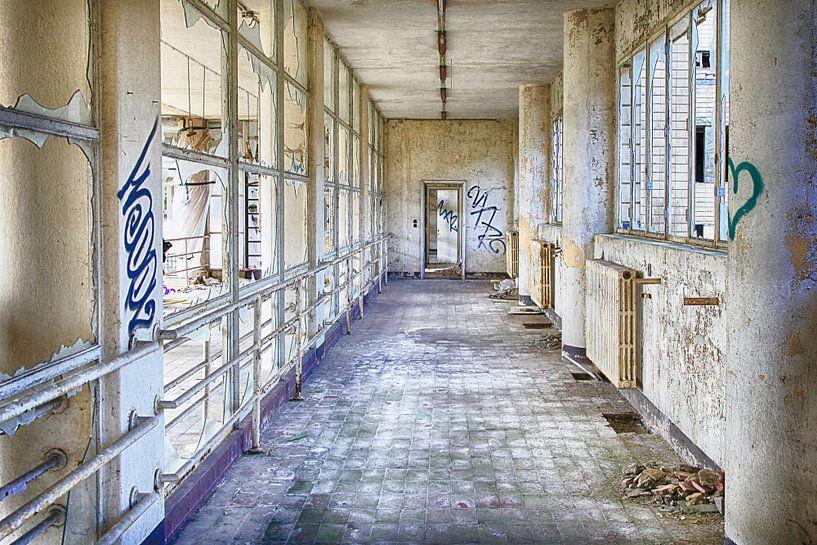 Hospitaal in België. van Elly Damen
