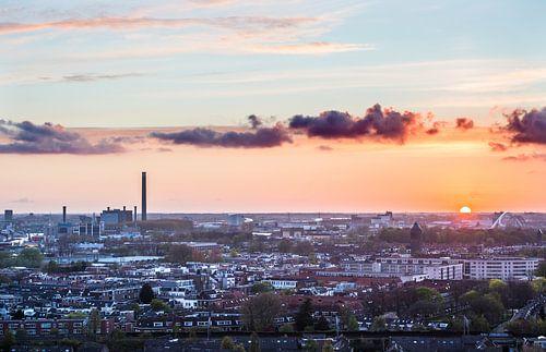 Zon gaat onder in Utrecht.