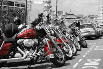 Harley Davidson Red Heritage Evo sur